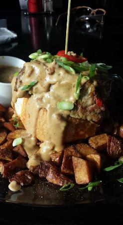 Alibi Bar & Cafe: KAMP'er (Kick A$$ Meatloaf Plate)