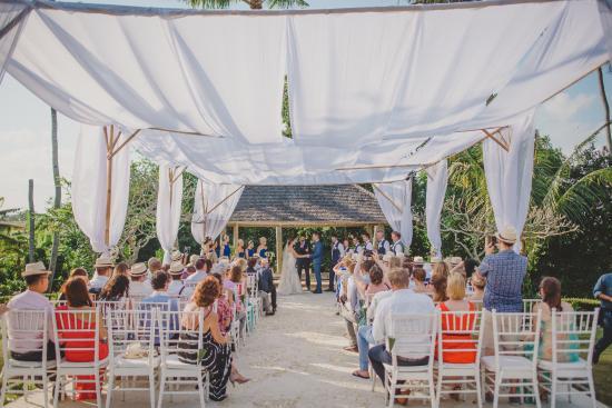 Villa Infinity Bali: Ceremony Patio area