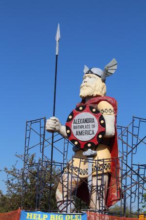 Big Ole Viking Statue: Big Ole