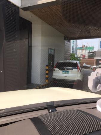 Starbucks Taguig City Corner 32nd Street And Rizal Dr