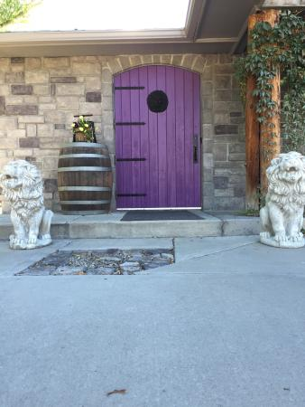 Graystone Winery: So cozy