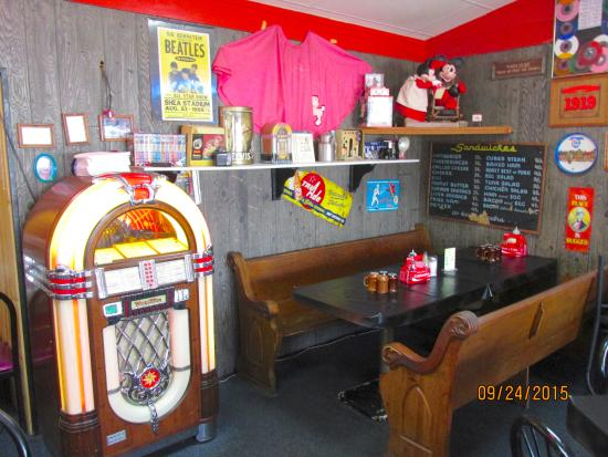 Interior - Picture of Denny's Diner, Lake Delton - TripAdvisor
