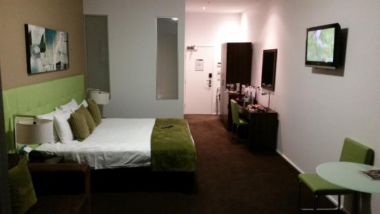 Mercure Melbourne Caroline Springs: Large Rooms