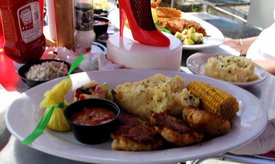 Eastern Shore Crab Cake Dinner - Foto di Crabs - We Got 'Em, Pensacola ...