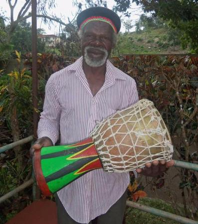 Countrystyle: Bongo and his drumming