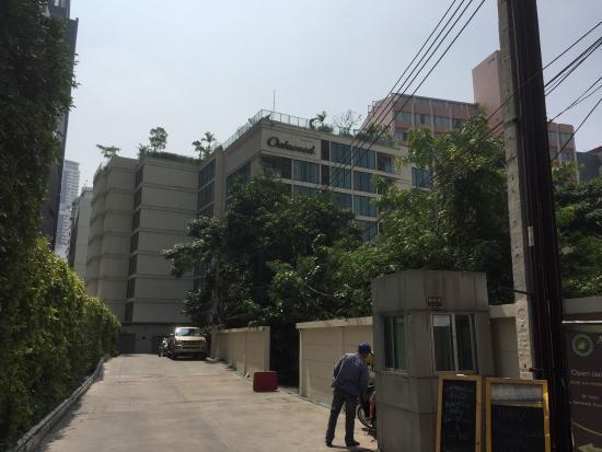 Oakwood Residence Sukhumvit 24 : photo2.jpg