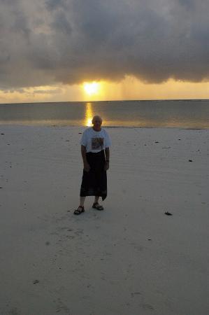 Leisure Lodge Beach and Golf Resort: Beach Boy!