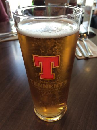 The Gathering Restaurant and Lounge: Cold pint of Tennants