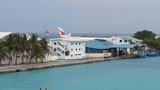 Hulhule Island Hotel: View from my hotel room