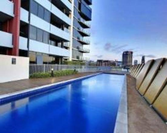 Apartments melbourne domain docklands updated 2017 for Pool show in melbourne