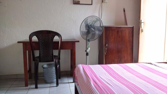 Mount Lavinia Home Stay : Neat room