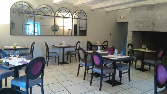 Le Relais Saint Charles: Salle à l'étage du restaurant La Suite