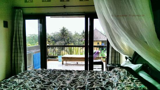 Dukuh Village Homestay : Di Atas Room on 2nd Floor