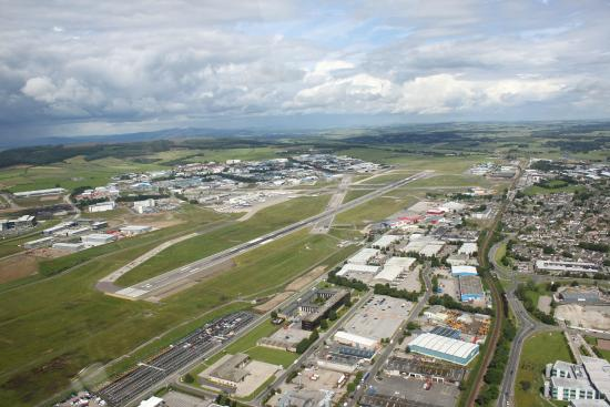 Dyce, UK: Flying lessons from Aberdeen International Airport