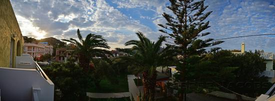 Manolis Apartments: Uitzicht vanaf balkon studio 1e etage