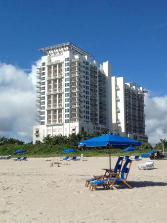 Marriott's Oceana Palms: view from beach