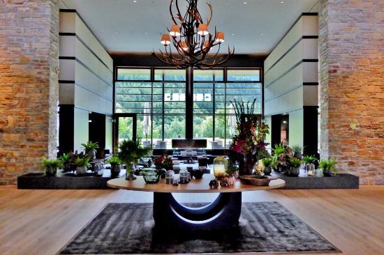Rustikal modern  Kaminlobby: rustikal-modern - Picture of Kempinski Hotel ...