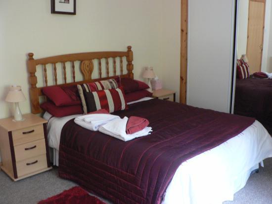 Sonas Bed & Breakfast: Bedroom