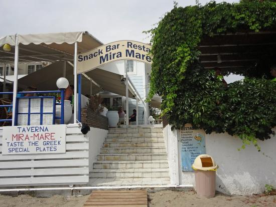 Strandzugang picture of mira mare hotel skiathos town for Skiathos town hotels