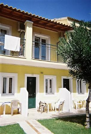 Odysseus & Agnes Apartments: Below and above apartments at Agnes