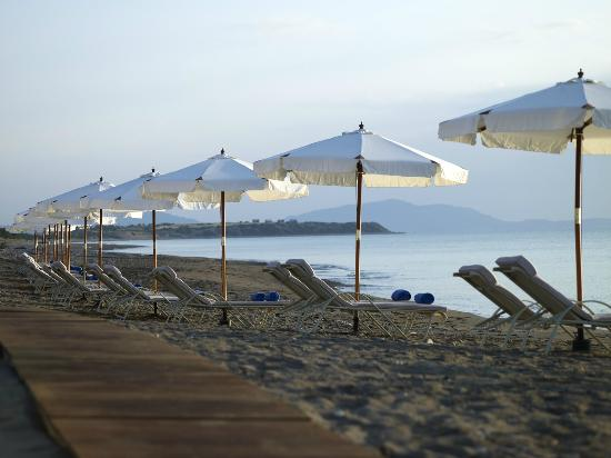 Atrium Prestige Thalasso Spa Resort and Villas : Beach area