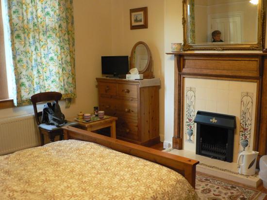 Blinkbonny House: Bedroom
