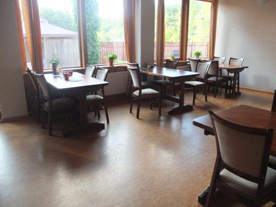 Hotel Melnais Starkis Guesthouse: Бесплатные завтраки и возможность самим готовить в обед и ужин.