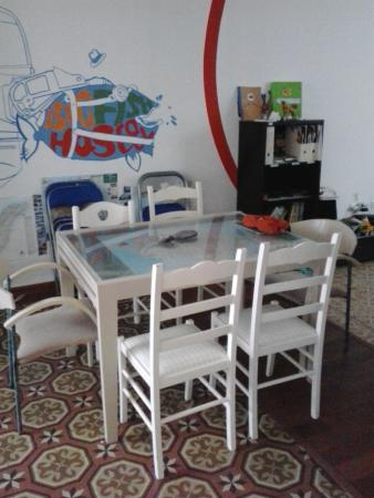 Big Fish Hostel : common room