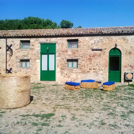 Antico Feudo San Giorgio : The courtyard