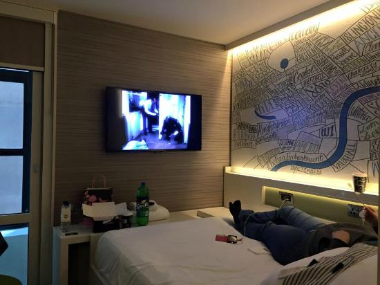 hub by premier inn london covent garden hotel technological room with smart tv