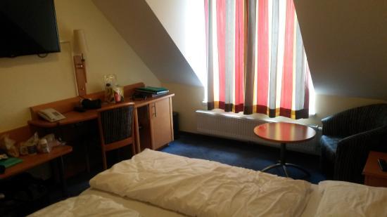 Hotel Goldener Adler: комната отеля, номер на 2-х