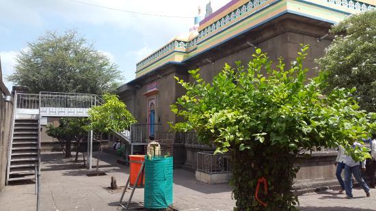 Ozar, India: Good looking Bhakta Niwas