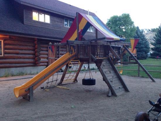 Ponderosa Campground: Nice playground for kids.