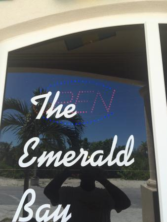 Emerald Bay Pub and Grill
