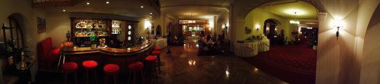 Hotel Edelweiss : Bar & Halle