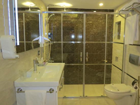 Tempo Residence Comfort: Bathroom