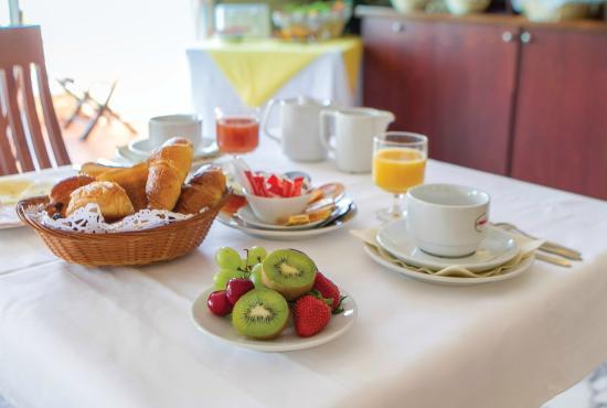 Hotel Abrial Cannes Centre: Petit déjeuner