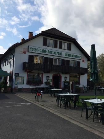 Trippstadt, Almanya: We have just paid €52.50 for 2 cappuccino coffees, 2 cheese sandwiches and a side salad.  rip of