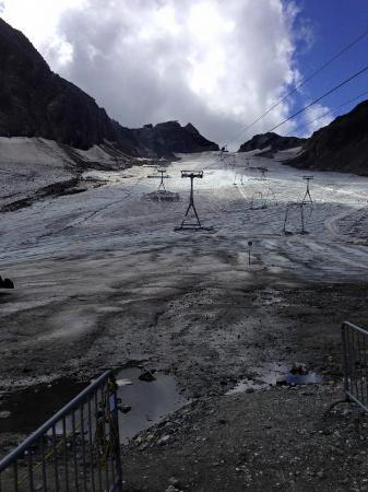 Stubaier Gletscher: Der Gletscher im Herbst.