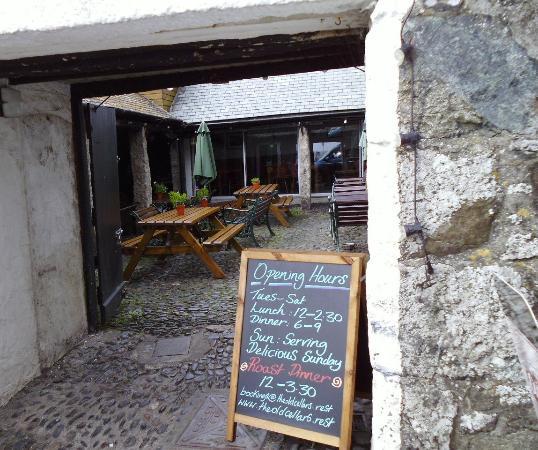 The Old Cellars Restaurant: tardis like