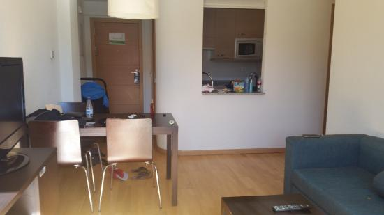 Appart photo de compostela suites apartments madrid for Appart hotel thionville