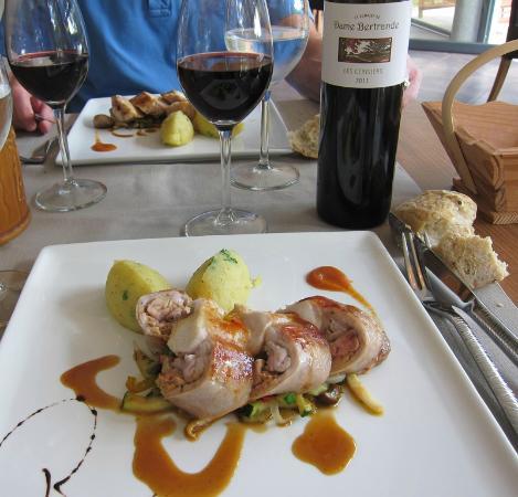 La Sauvetat sur Lede, Γαλλία: Lapin stuffed with foie gras