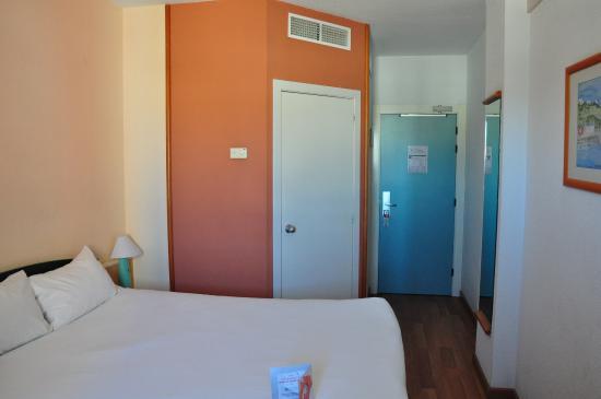 ibis Budget Malaga Aeropuerto Avenida Velazquez: Room.