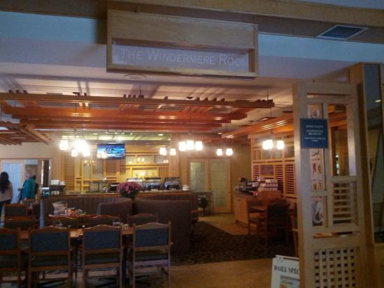 BEST WESTERN Invermere Inn : The Windemere Room served up some great chow.