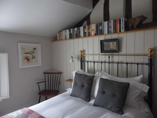 The Bear Bed and Breakfast: Room 1