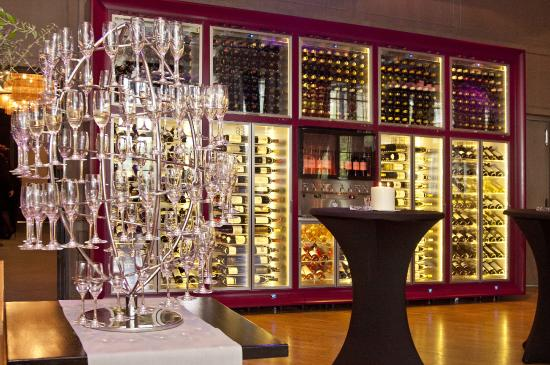 Diplomat: Our 800 Bottles Wine Cave