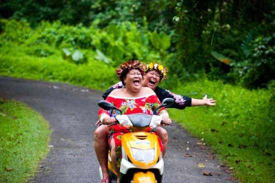 Cook Islands: Friendliest Locals in the World!