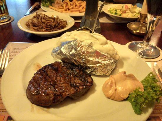 La Brigada: second steak, again, looks good, tastes awfull
