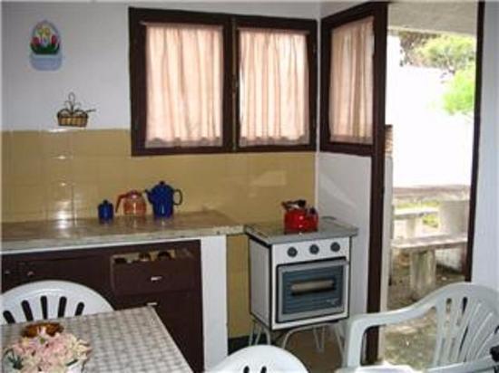 Cabañas Virazon: Cocina .