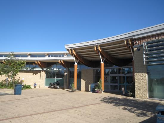 Willowburn Sports and Leisure Centre: Main Entrance